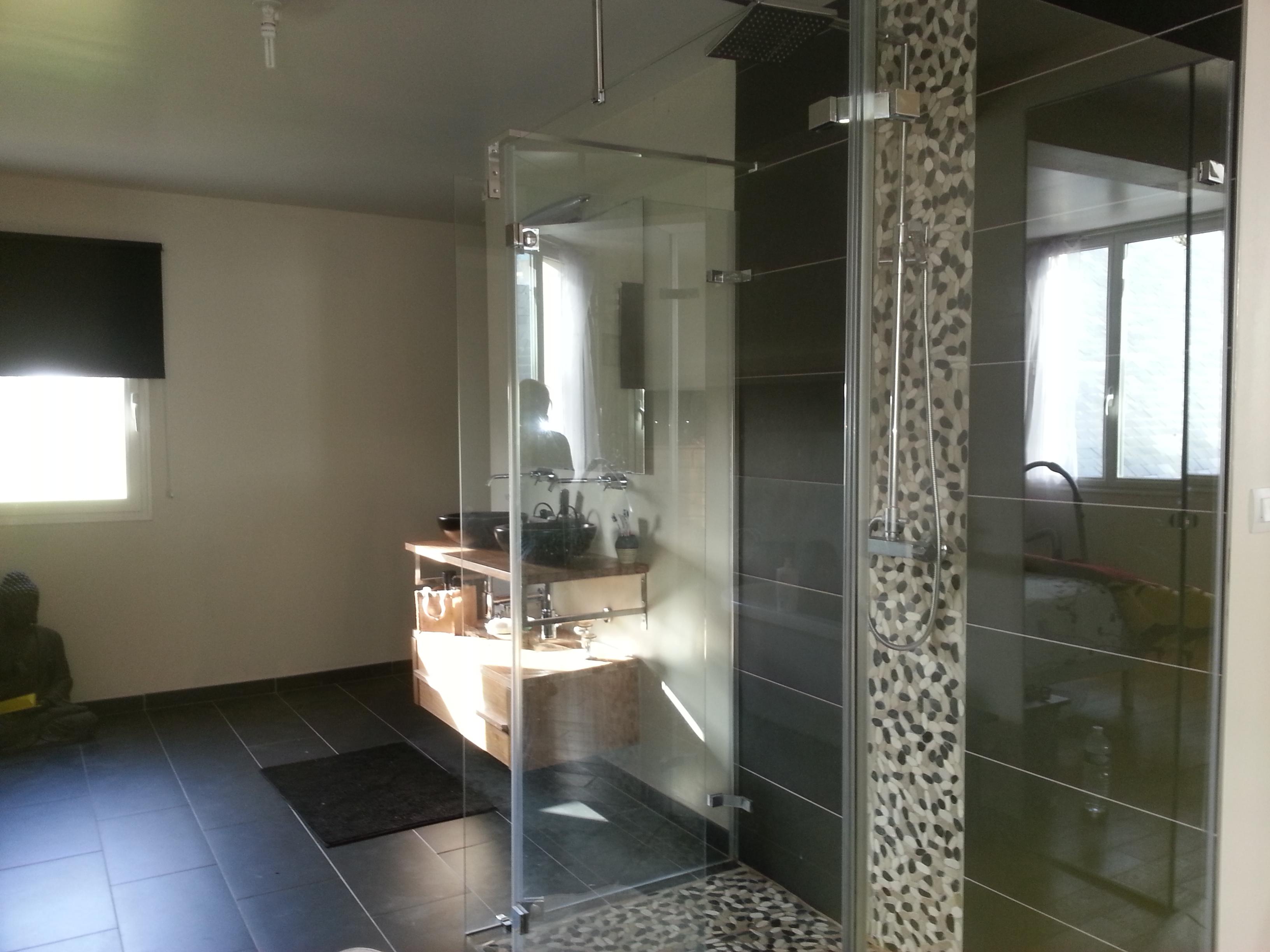 Double douche italienne stunning coin salon avec sofa for Salle de bain douche italienne double vasque